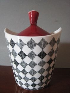 Red Top sugar bowl & cover...Rorstrand Marianne Westman