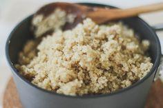 Pra quem ainda tem dúvidas de como cozinhar quinoa ou pra quem nunca cozinhou e quer aprender, hoje vou fazer um post explicando tudo. O que é Quinoa? Cultivada nos Andes por mais de 5.000 anos, a …
