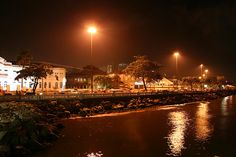 Ponta da praia, por Juliana Apolo - https://www.flickr.com/photos/julianaapolo/