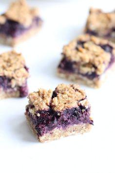 Healthy Breakfast Blueberry Crumble Oat Bars Recipe (gluten free dairy free Vegan) Easy refined sugar free flourless oat bars! Super easy dairy free quick breakfast. Food Allergy friendly.