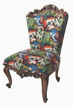 La Tapicera: personalización de silla labrada con tela de cine de terror
