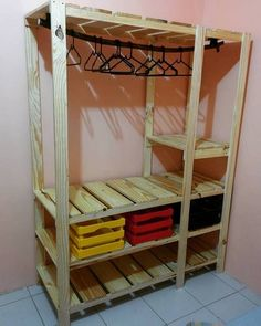 Pallet wardrobe: 50 ideas for decoration - Pallet Furniture Ideas Diy Pallet Furniture, Diy Pallet Projects, Home Decor Furniture, Living Room Furniture, Diy Home Decor, Furniture Ideas, French Furniture, Pallet Ideas, Wooden Furniture