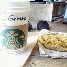 Buenos días IG! Último día en Madrid. Estoy esperando a que mi hermano salga de sacarse una muela... No se quien está mas nervioso, él o yo XD. // Hi IG! Good morning! It's my last day in Madrid :(. #starbucks #breakfast #tea #cookies #foodorgams #foods #foodaily #foodphotography #instamoment #instagramers #ig #instadaily #picoftheday #perfectpicture #inlove #instagood #madrid #madridmemola #lifestyle #bblogger #beautyblogger #khimma #eltocadordekhimma #perfectpicture #perfectmoment…