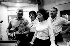 ALBUM: The Staple Singers, 'Freedom Highway Complete – Recorded Live at Chicago's New Nazareth Church' Rhythm And Blues, Blues Music, Uncloudy Day, The Staple Singers, Mavis Staples, Soul Funk, Music Images, Music Photo, Gospel Music