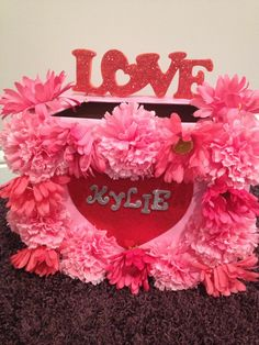 Another cute Valentine's Day box!!