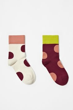 I love colorful socks for my daughter...so I love these socks!