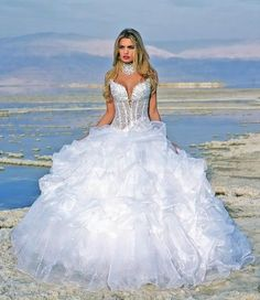 Wedding gowns near me wedding dresses not expensive,corset ball gown wedding dress country western bridal dresses,dresses to wear to a barn wedding rustic themed wedding dresses. White Beach Wedding Dresses, Western Wedding Dresses, Wedding Dress Sizes, Bridal Wedding Dresses, Organza Bridal, Wedding Dress Organza, Ball Dresses, Prom Dresses, Ball Gown Wedding