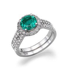 14k white #gold ring with green & white #diamonds.