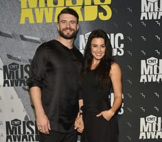 Sam Hunt Flew to Hawaii Seven Times to Win Wife Hannah Over