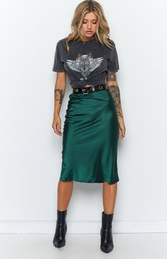 Trisha Midi Skirt Emerald – Beginning Boutique Green Skirt Outfits, Midi Skirt Outfit, Midi Skirts, Leopard Skirt Outfit, Long Black Skirt Outfit, Midi Wrap Skirt, Wrap Skirts, Casual Skirt Outfits, Denim Skirts