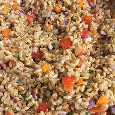 via @biggrapp412: Organic farro red onion orange pepper cherry tomato basil parsley (Cortland Farms). Olive & Marlow oil. Organic corn syrup (Mallet). #truecooks #whatwedo #organic #food #foodie #foodporn #vegan #vegetarian #supportlocalfarms #buylocal #farro #farmtotable #farmtofork #eatclean #marketstreetgrocery
