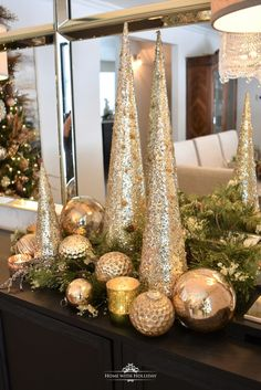 Gold and Silver Snowflake Christmas Table Setting