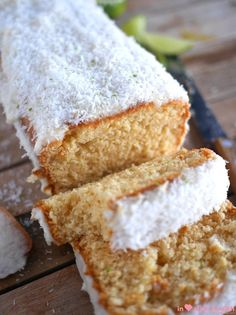 It's always hard to turn down a slice of cake. Lucky for us, healthy versions always exist: try and enjoy this healthy lime coconut cake!