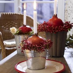 diy: autumn berries and pomegranate candle holder - too cute!
