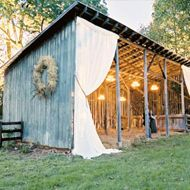 Rustic Barn Wedding curtains for your project location? Rustic Outdoor, Rustic Barn, Hay Barn, Outdoor Sheds, Farm Wedding, Dream Wedding, Wedding Rustic, Shed Wedding, Cowgirl Wedding