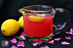 Limonada cu petale de trandafiri - CAIETUL CU RETETE Food And Drink, Drinks, Mint, Syrup, Canning, Fine Dining, Recipes, Lemonade, Beverages