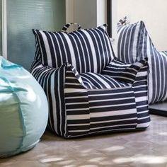 מינימי בינוני Outdoor Pool Furniture, Funky Furniture, Black White Stripes, Black And White, Dream Rooms, Bean Bag Chair, Minimalism, Throw Pillows, Interior Design