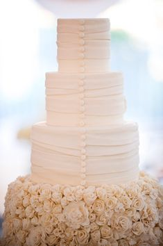 Esta tarta parece la espalda de un vestido de #novia! / This cake looks like the back of a #wedding dress!