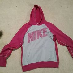 Nike Hoodie In excellent condition, perfect for winter, super comfy! Nike Tops Sweatshirts & Hoodies