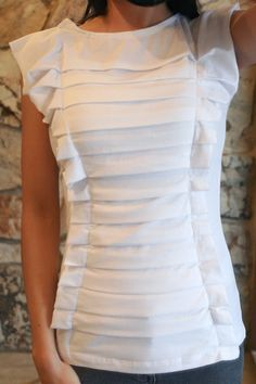 DIY pleated T-shirt.   I live this. Will definitely have to try making it.