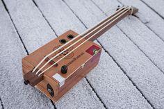 Cigar Box Ukulele Bass   Wohohoho - un blog avec un goût de Norvège
