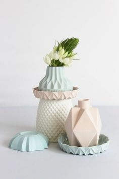 Contemporary Dutch ceramics by Lenneke Wispelwey feature fresh pastel colours, geometric faceted patterns, and contrasting biscuit and glazed porcelain. Decoration Inspiration, Design Inspiration, Fashion Inspiration, Ceramic Pottery, Ceramic Art, Design Industrial, Ceramic Design, Deco Design, Pretty Pastel
