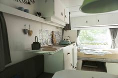 Let's Go Camping! - Outdoor Camping Tips Caravan Decor, Retro Caravan, Camper Caravan, Caravan Ideas, Caravan Makeover, Caravan Renovation, Van Camping, Camping Glamping, Tiny House Living