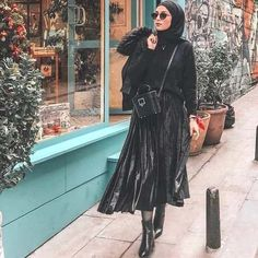 Warm knitted hijab styles Just Trendy Girls All girls aroun Islamic Fashion, Muslim Fashion, Modest Fashion, Hijab Fashion, Fashion Outfits, Women's Fashion, Casual Hijab Outfit, Hijab Chic, Hijab Dress
