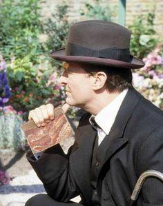 Jeremy brett = Sherlock Holmes ❤️