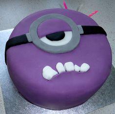 Purple minion piñata cake I made for my big sis for her birthday!