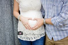 Unique cute maternity photo for baby boy  #hearthands  www.facebook.com/lovemephotography.kerrvilletx