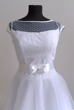 7d1b48db341 Puntíkaté svatební šaty   Zboží prodejce Fanča