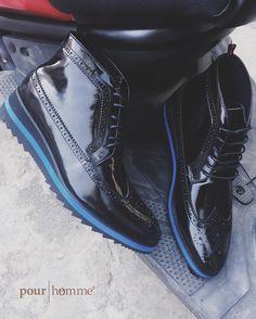Hoá trang xuống phố đim nay mà mang em này tung tăng cả đêm có mà hừng hực nhỉ??? da bê wax bóng tươi tan tác mắc hơn mà bán 3.050.000 cho nó đồng giá chơi vậy đó 27bis Trần Nhât Duật Tân Định Q1 Hồ Chí Minh 0909.352.905  #pourhomme #150usd #calfskin #sneaker #boots #LaceUpShoes