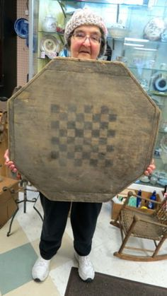 very-old-wood-8-sided-game-board-old-original-paint-auction-barn-find-dirty