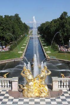 Famous Gardens of the World - Peterhof, Saint Petersburg Russia