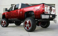 Possibly the most beautiful truck I've seen... Bama pride . Roll tide.