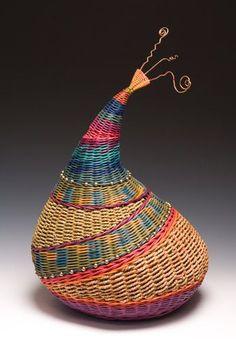 ♀ Basket sculpture woven art Montana Blue Heron {Marilyn Evans and William Stevens} Willow Weaving, Basket Weaving, Contemporary Baskets, Pine Needle Baskets, Basket Crafts, Dragonfly Art, Blue Heron, Weaving Art, Gourd Art