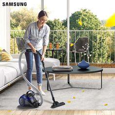 Cùng Samsung tham khảo 3 cách vệ sinh thảm sạch sẽ đón Tết mà không cần dùng đến dịch vụ giặt thảm đắt tiền: - Cách 1: Xịt lên thảm một lượng nước lau kính vừa phải, chờ từ 2-4 phút cho ngấm, rồi phủ lên 1 miếng khăn trắng và là sơ qua. - Cách 2: Dùng vải sạch thấm vào dung dịch gồm 2 thìa nước rửa chén, 2 thìa canh giấm và 2 chén nước ẩm lau nhẹ lên vết bẩn. Sau đó thấm khô thảm bằng một miếng bọt biển.  - Cách 3: Rắc một lớp baking soda lên vị trí thảm cần làm sạch trong vòng 30 phút để…
