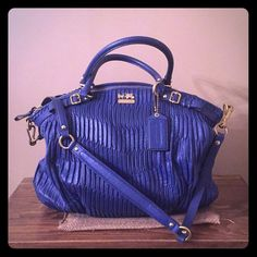 Coach madison lindsay bag! Coach madison lindsay gathered leather bag! Only used a couple times in like new condition! Such a beautiful bag and very well made! Gold colored hardware! Coach Bags Shoulder Bags