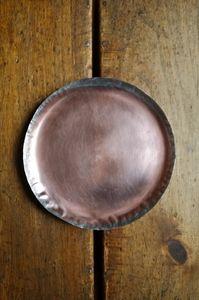 'THIN' plate by Ryohei Yoshiyuki  www.ateliersolarshop.be