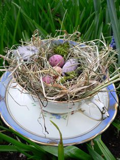 #easter #theme #egg #nest #table #display #cup #wedding #planning #ideas