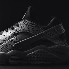 """low priced d4057 091ec """"The Nike Air Huarache LE releases this Saturday in stores and online via a  direct link at BST"""""""