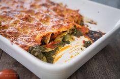 Cannelloni mit cremiger Spinat-Käsefüllung und Tomatensoße / Ofenrezept