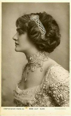 Edwardian portrait photograph gorgeous jewellery and hair