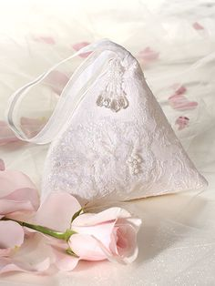 "Lacy Bridal Wristlet / so very pretty - like the little beads on the front too / 7""W x 7""H x 7""D / easy/ SEWING pattern"