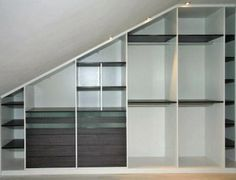 Interior armario abuhardillado