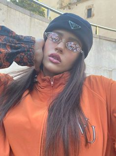 Tomboy Outfits, Swag Outfits, Orange Soda, Pink Wall Art, Rich Girl, Woman Crush, Mirrored Sunglasses, Makeup Looks, Girl Fashion