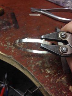 How to Make an Adjustable Bangle - Bracciale regolabile, tutorial
