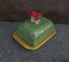 Butterdose-butter-dish-Butterglocke-Keramik-mit-Pilze