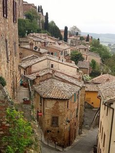 Visiting Tuscany? Make sure you include these beautiful towns your travels.